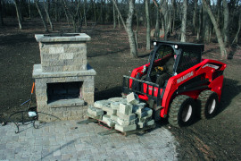 Manitou compact equipment
